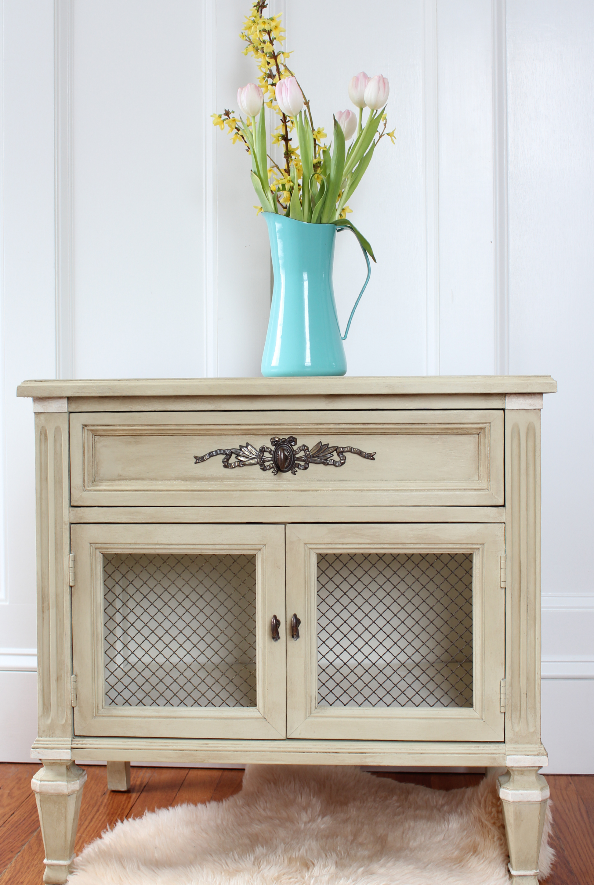 antique white chalk paintCaroline French Side Table Before  After  Finding Silver Pennies