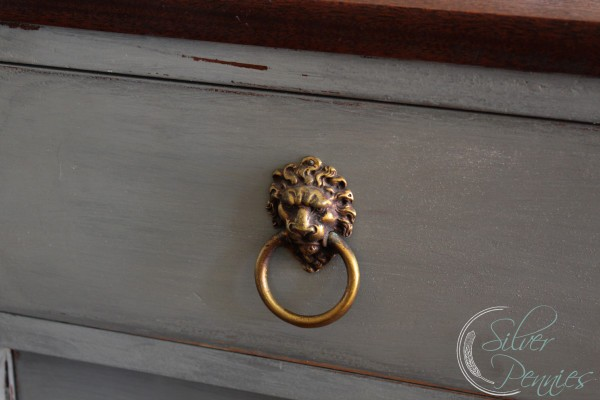 lions_head_pull