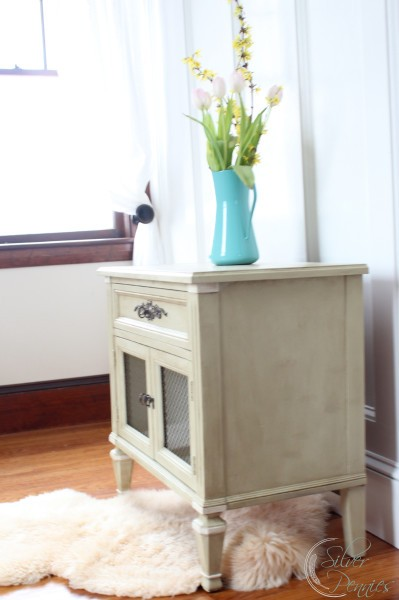 versailles_side_table