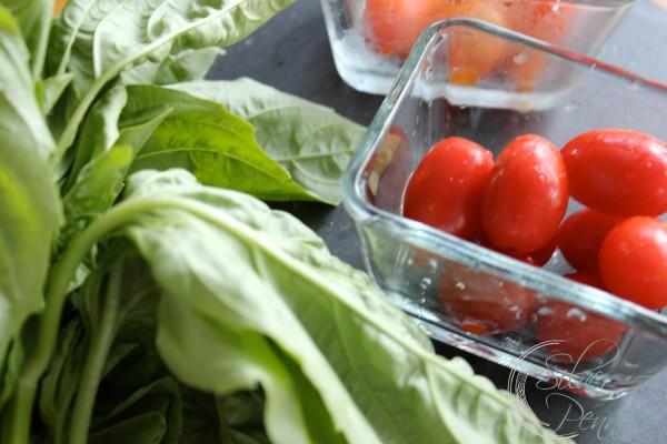 tomatoes_basil_prep