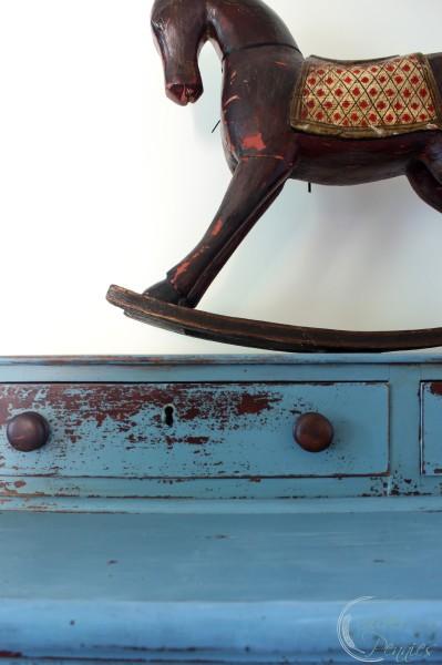 antique_horse_ chippy_milk_paint