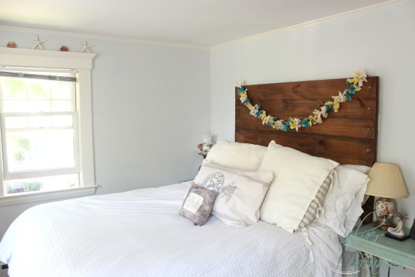 reclaimed_wood_headboard