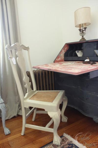 stencil_desk_chair