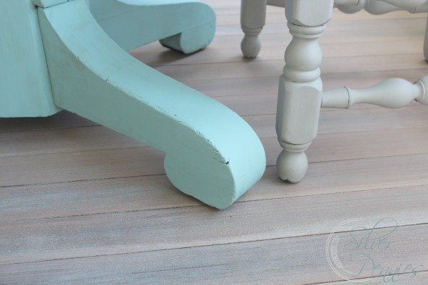 driftwood_floor_empire_table_leg