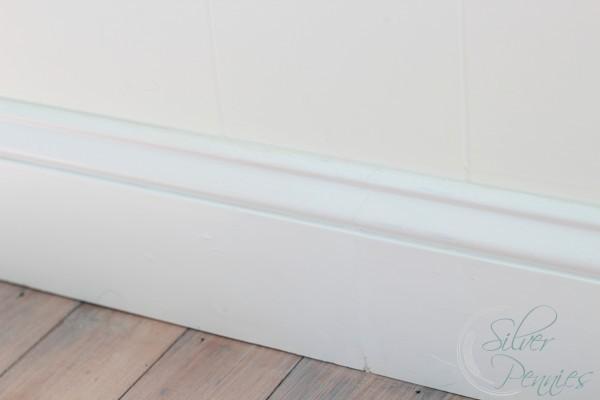 super_white_baseboard