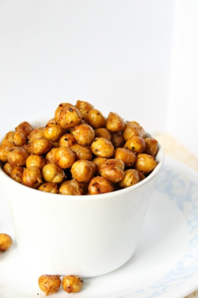Spicy-Roasted-Chickpeas-7-682x1024