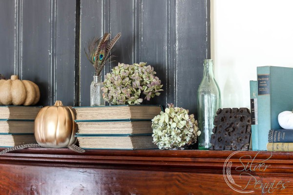 Gold and blue Mantel