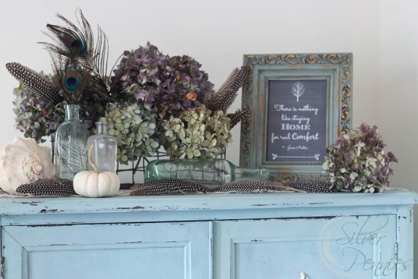 Pretty Autumn Display Dining Room
