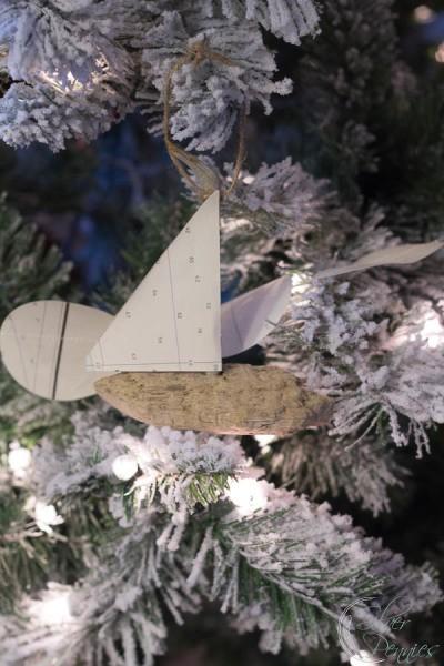 Snowy tree and coastal ornament