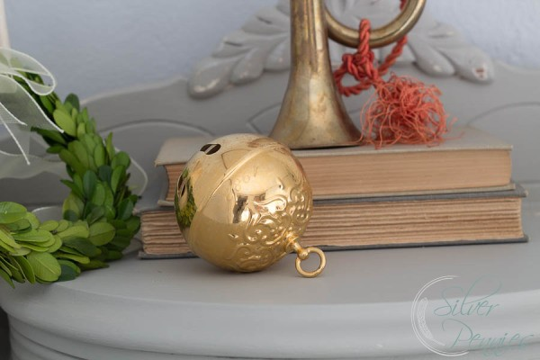 Vintage Christmas Bell and Boxwood Wreath
