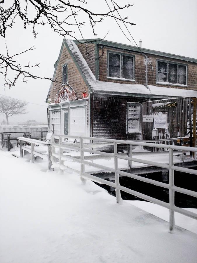 lucky finn cafe blizzard 2015