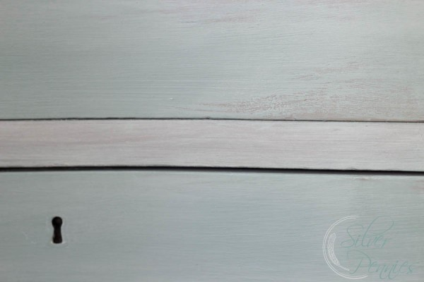 chalk paint finish on drawers