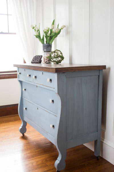 An Empire Dresser Named Lila