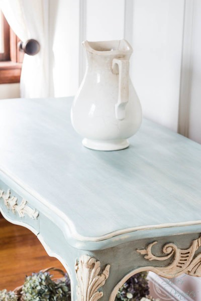 Pretty French Chalk Painted Piece