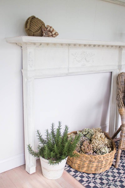 A white coastal mantel