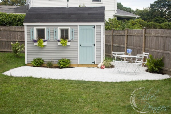 Ordinaire Pretty Patio And Coastal She Shed