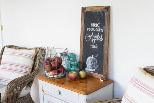 Apple Chalk Board Art
