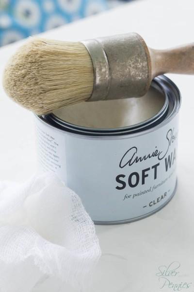 Applying Annie Sloan Clear Wax