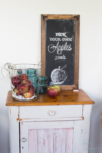 Fall Chalk Board Art iwith Chippy Cupboard