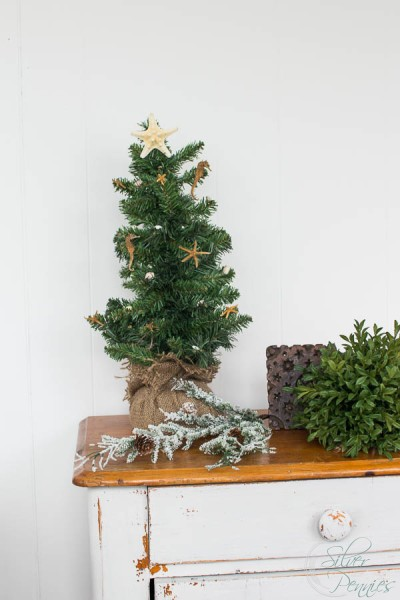how to create a mini coastal tree - Coastal Christmas Tree