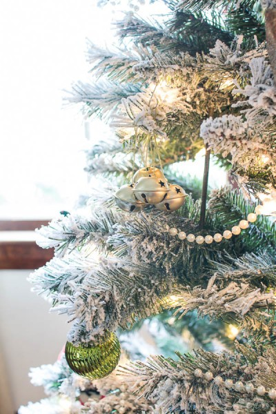 Flocked Christmas Tree with Pearls