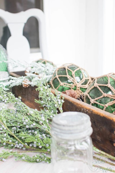 Sunroom Table Decore for Christmas