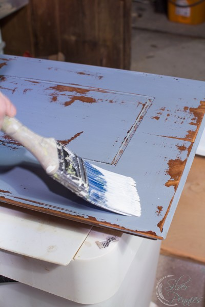 Apply-chalk-paint-ggnoads