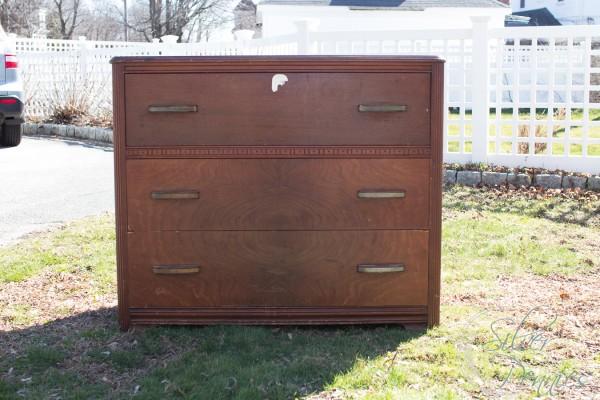 Dresser Before / Updating a dated 1940s dresser / www.findingsilverpennies.com