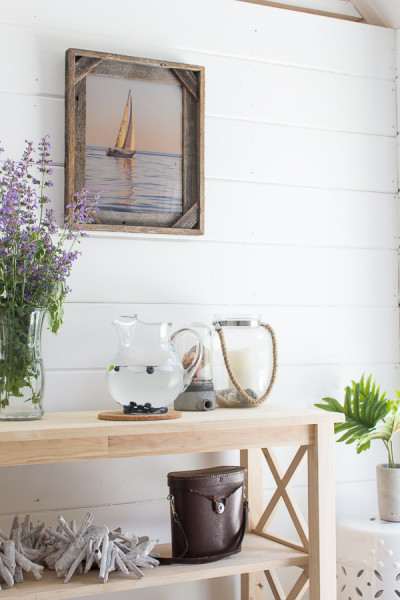 Simple decorating in my she shed.