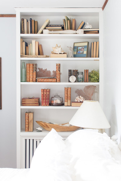 How to decorate bookshelves on a budget finding silver for How to decorate bookshelves