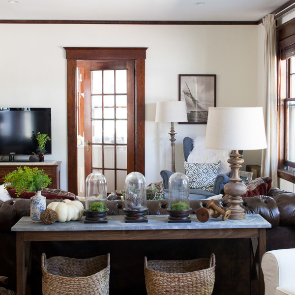 Our Living Room Decorated for Fall / how to add natural elements / www.findingsilverpennies.com