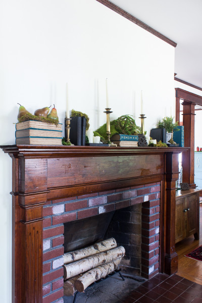 Fall Mantel inspired by Nature / www.findingsilverpennies.com