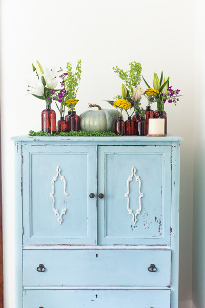 Vintage Cabinet with Wild Flowers / perfect and affordable fall decorating / www.findingsilverpennies.com