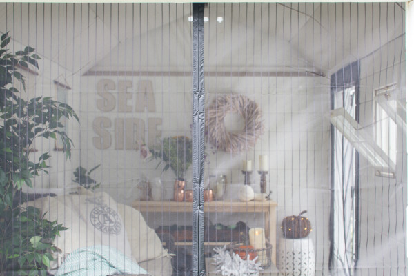 Magnetic screens are a perfect addition to the she shed. I Finding Silver Pennies I www.findingsilverpennies.com