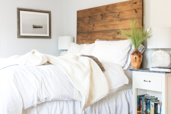 Coastal Bedroom at Christmas I Bambeco Gift Card Giveaway