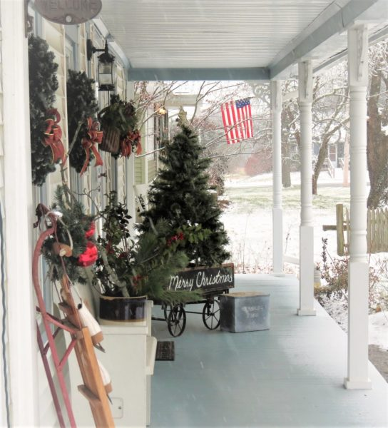 front-porch-christmas-2016