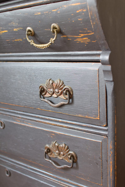 Distressed Desk I Finding Silver Pennies