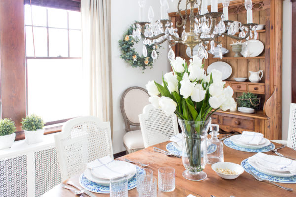 Gorgeous Dutch Tulips I Spring Florals in the Dining Room I Finding Silver Pennies