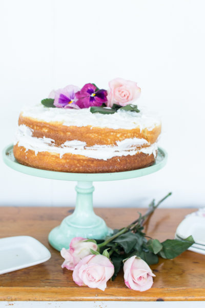Easy Naked Cake for Spring