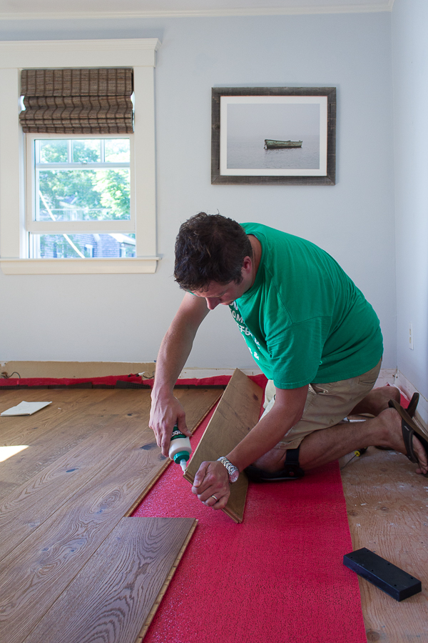 Installing wide plank flooring - how to #diy #wideplanks #sawyermasonfloors