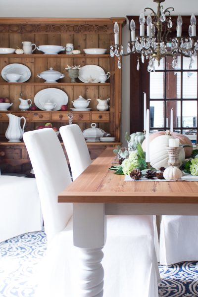 farmhouse dining room for fall