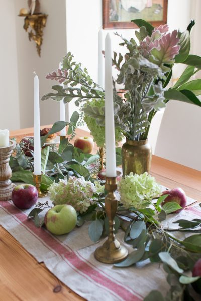 simple apple tablescape in the dining room