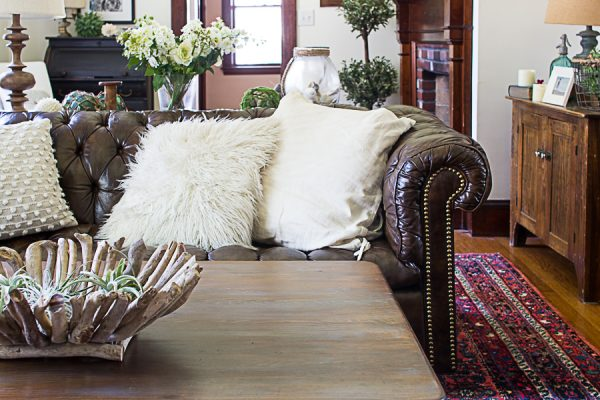 Understated elegance in the living room