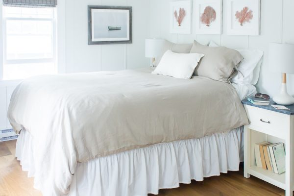 Simple and Coastal Bedroom Makeover