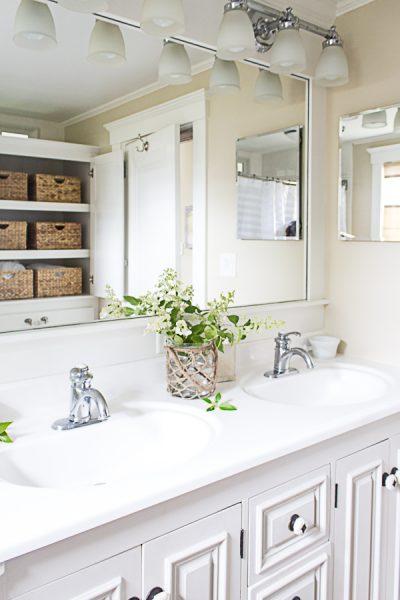 Coastal Style Bathroom I Finding Silver Pennies