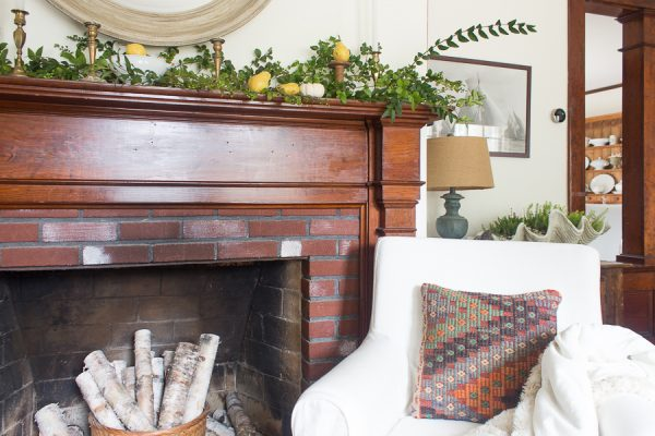 Simple fall decor - oriental rugs, kilim pillows and some elements for nature