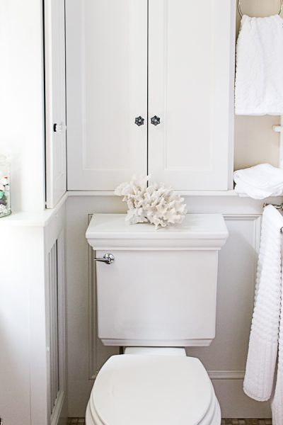 White bathroom - Simple and Elegant I Finding Silver Pennies