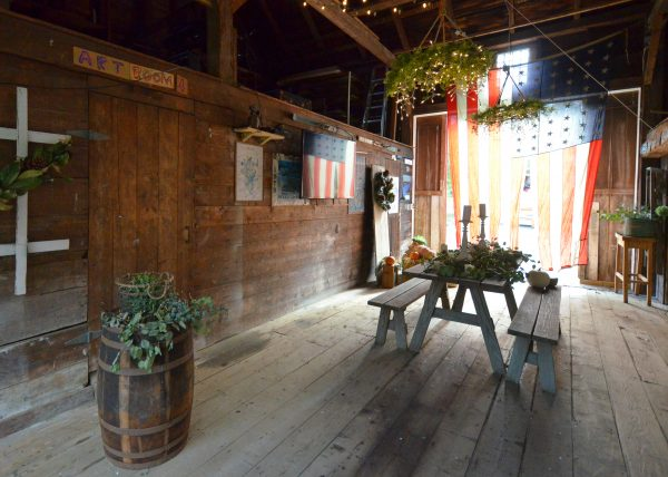 Seaside Kitchens Tour - Inside the Barn I Finding Silver Pennies