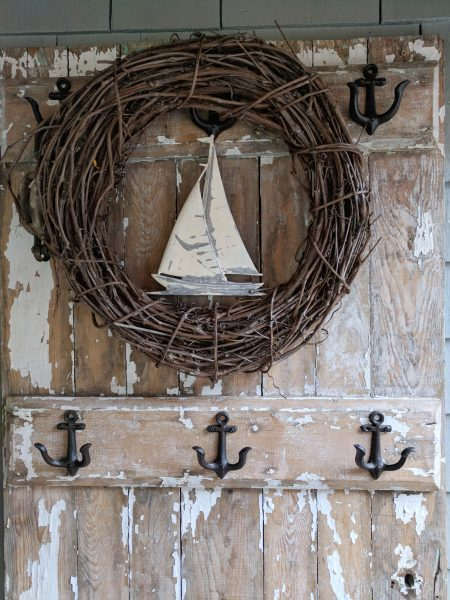 Simple Coastal Decor in a back porch I Finding Silver Pennies