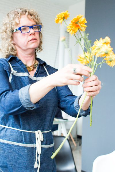 Christine of Floxglove Market leads a fun hand tied bouquet workshop I Finding Silver Pennies